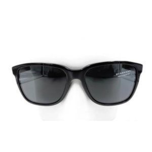 Other - NWT Authentic Black Burberry Square Sunglasses
